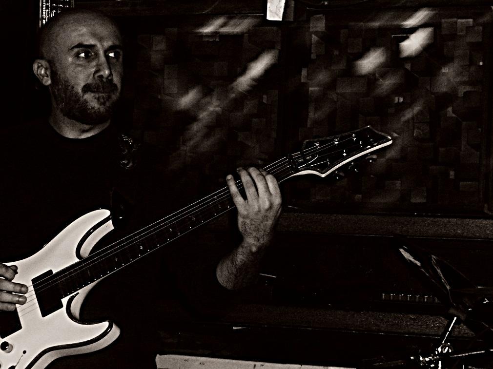 Guitarist | Elias Njeim