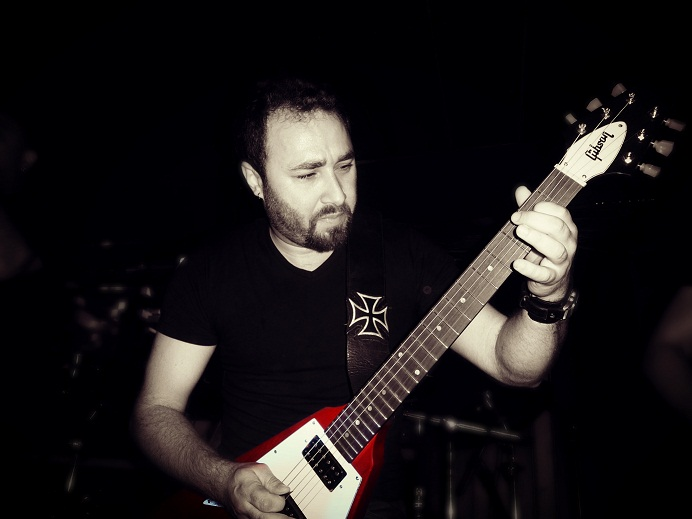 Guitarist | Garo Gnadian
