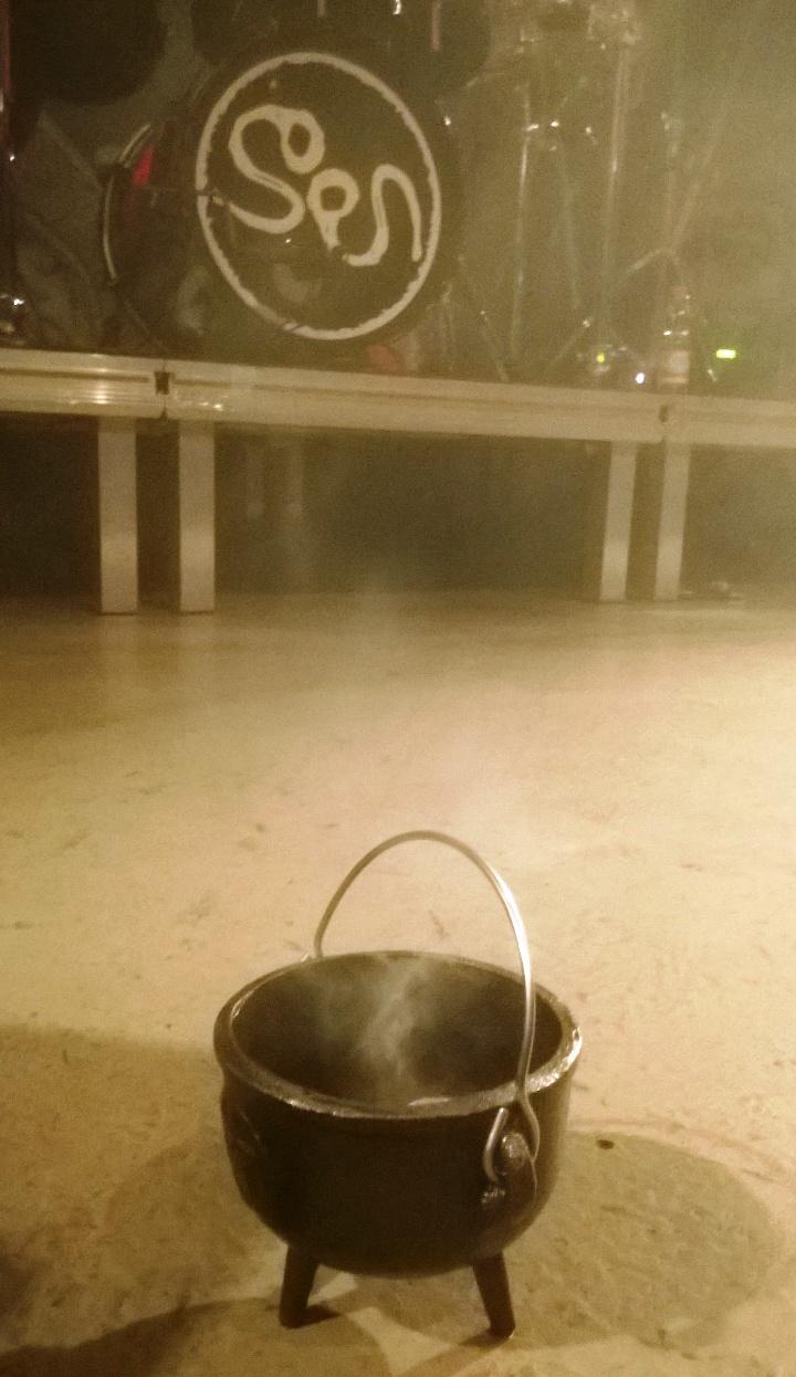 http://www.lebmetal.com/wp-content/files/2015/03/Soen-Kultempel-Incense.jpg